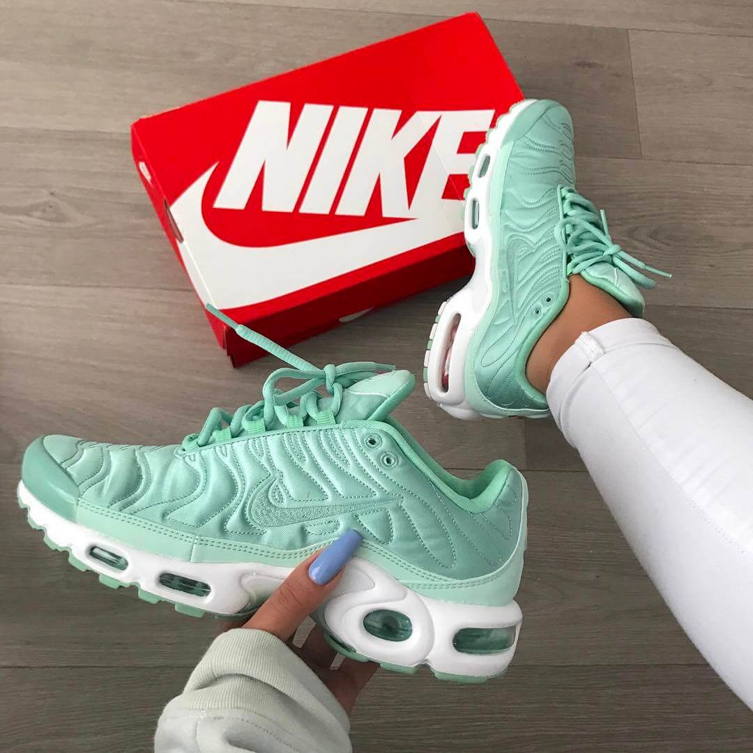 timeless design 0be33 33e06 Top 10 Nike Air Max Plus Sneakers
